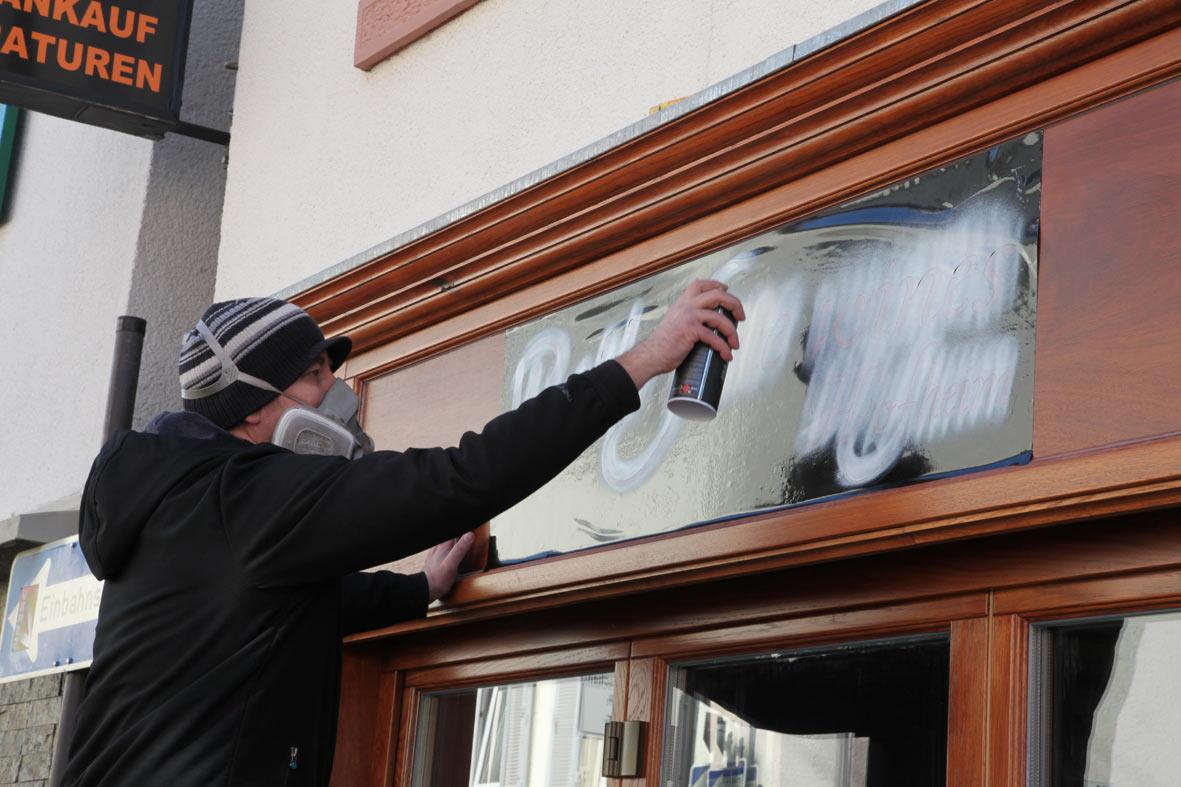 stencil-spray