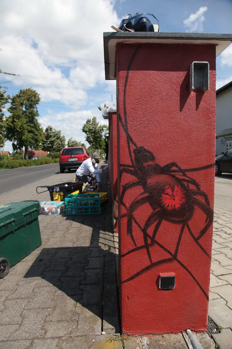 Spinne sprayer Eintracht Frankfurt Logo