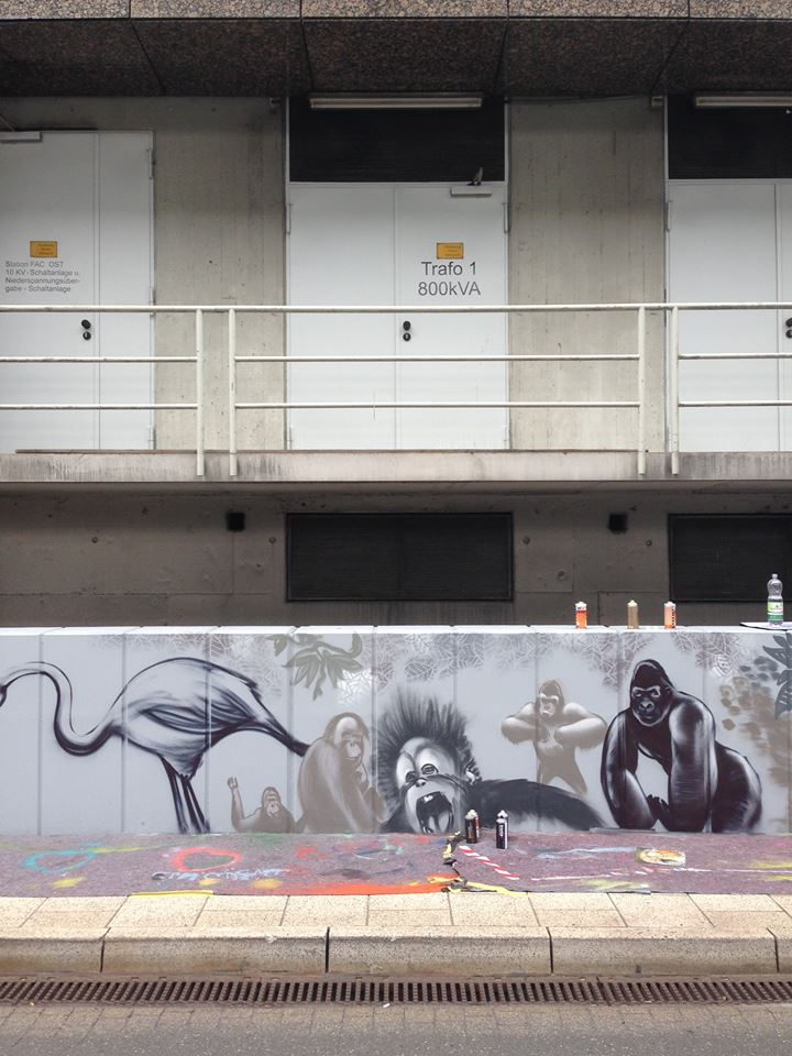 Monkeys_airport_Graffiti