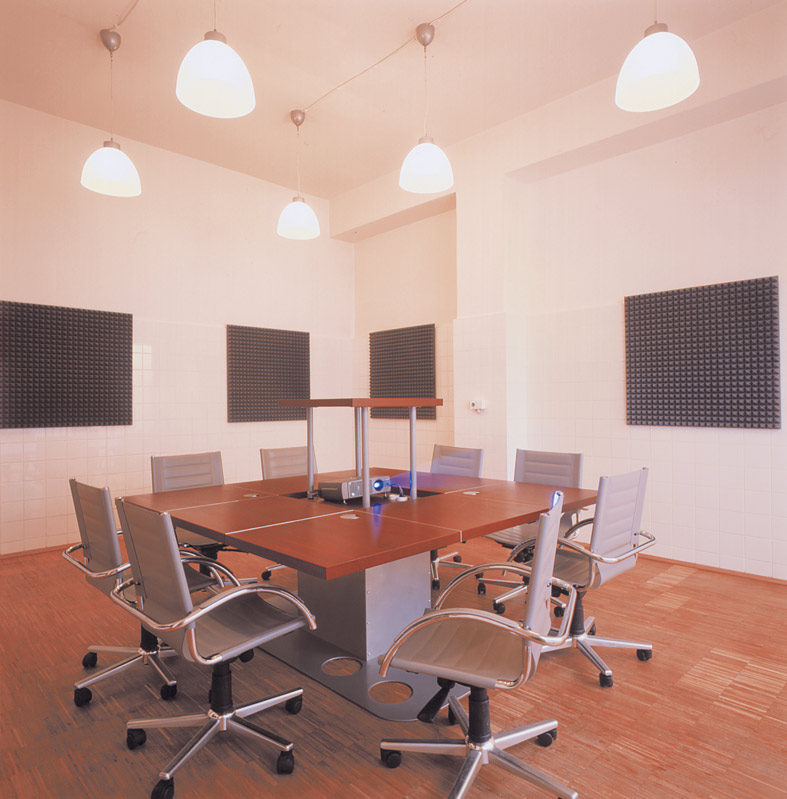 Headlab Conference Room2