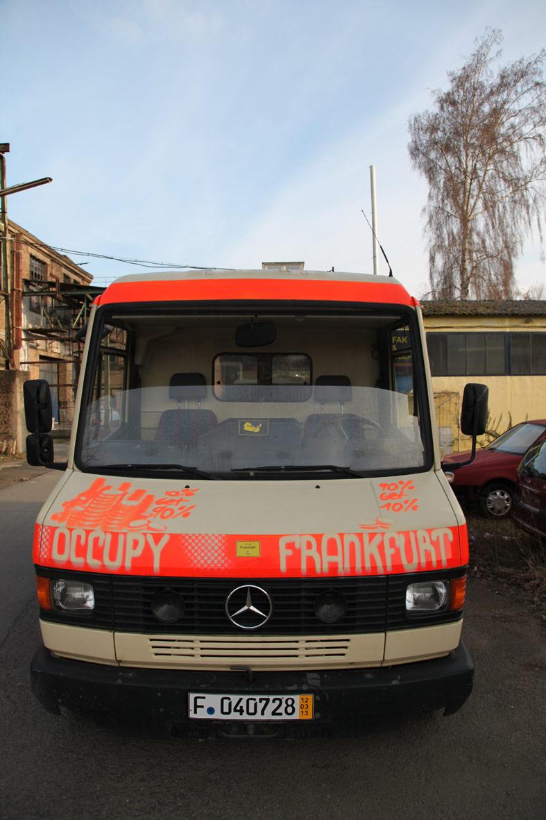 occupyrettungswagen2013